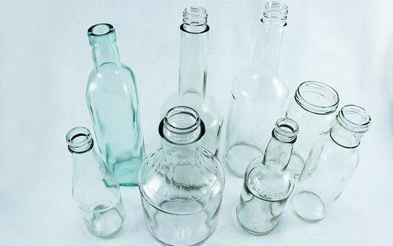 Membuat Vas Bunga dari Botol Bekas 01