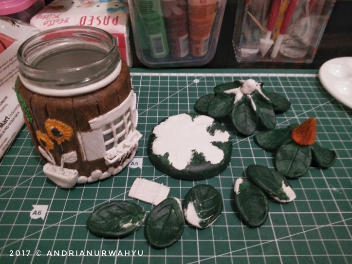 tutorial-membuat-house-jar-dari-clay.jpeg.jpeg